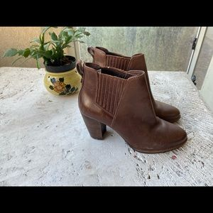 Lovely UGG Ankle Leather Boots Booties